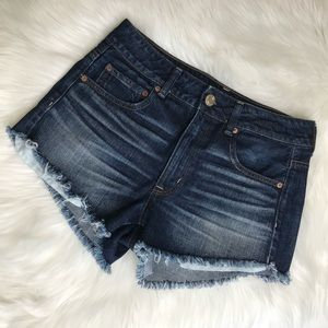 AMERICAN EAGLE. The high-rise festival Jean shorts